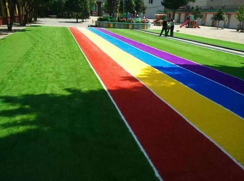 烟台幼儿园优质塑胶人造草坪的施工